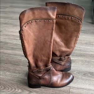 Gianni Bini knee high brown boot